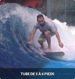 Expert 'Barrel' oasis surf