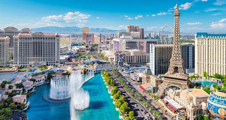 Une Paire De Billets D'avion À Destination De Las Vegas