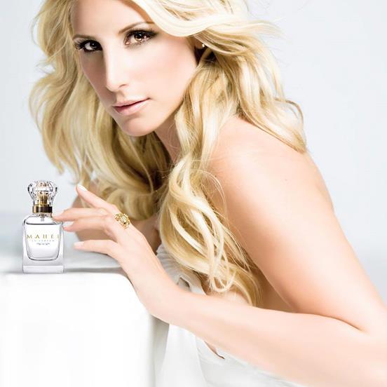 Une Bouteille De Parfum 50 Ml Mahée