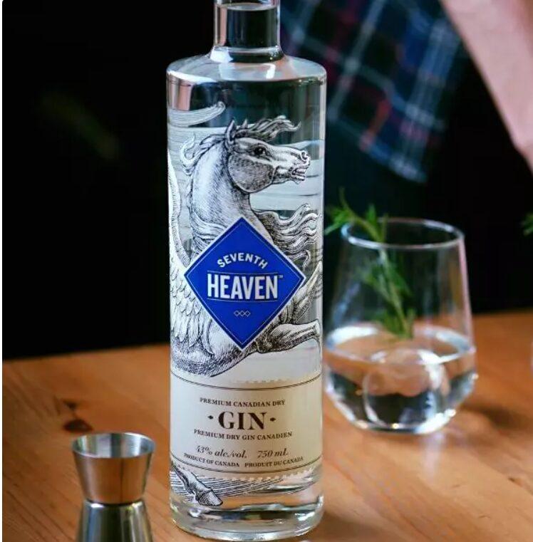Une Bouteille De Gin Seventh Heaven