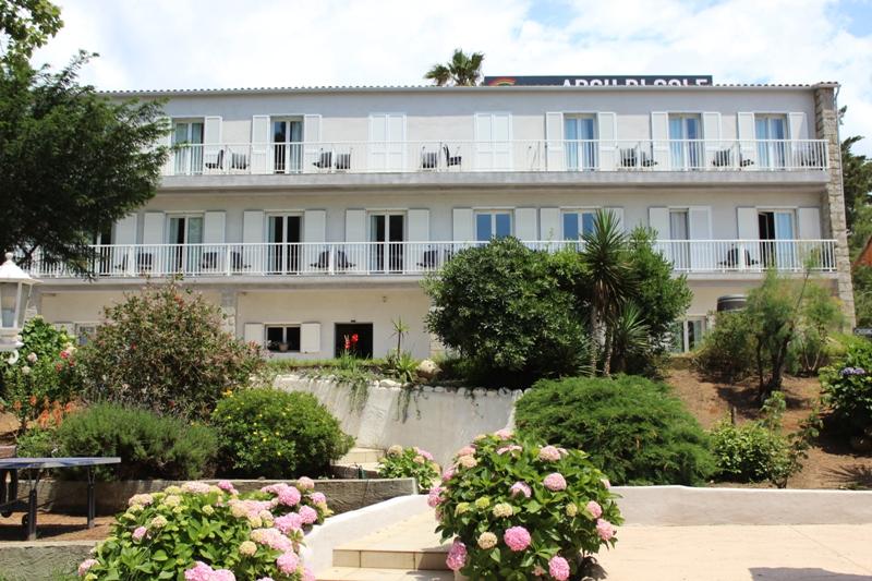 Gagnez 1 séjour pour 2 personnes en Corse (2000 euros)