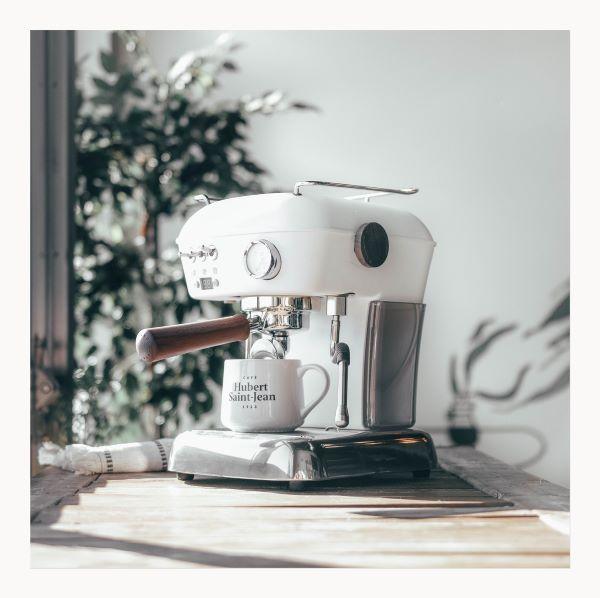 GAGNEZ UNE MAGNIFIQUE MACHINE À CAFÉ